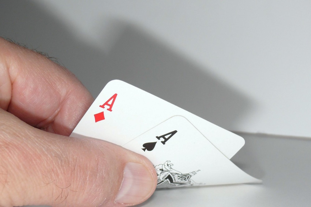 How to Win Playing Omaha Hold'em