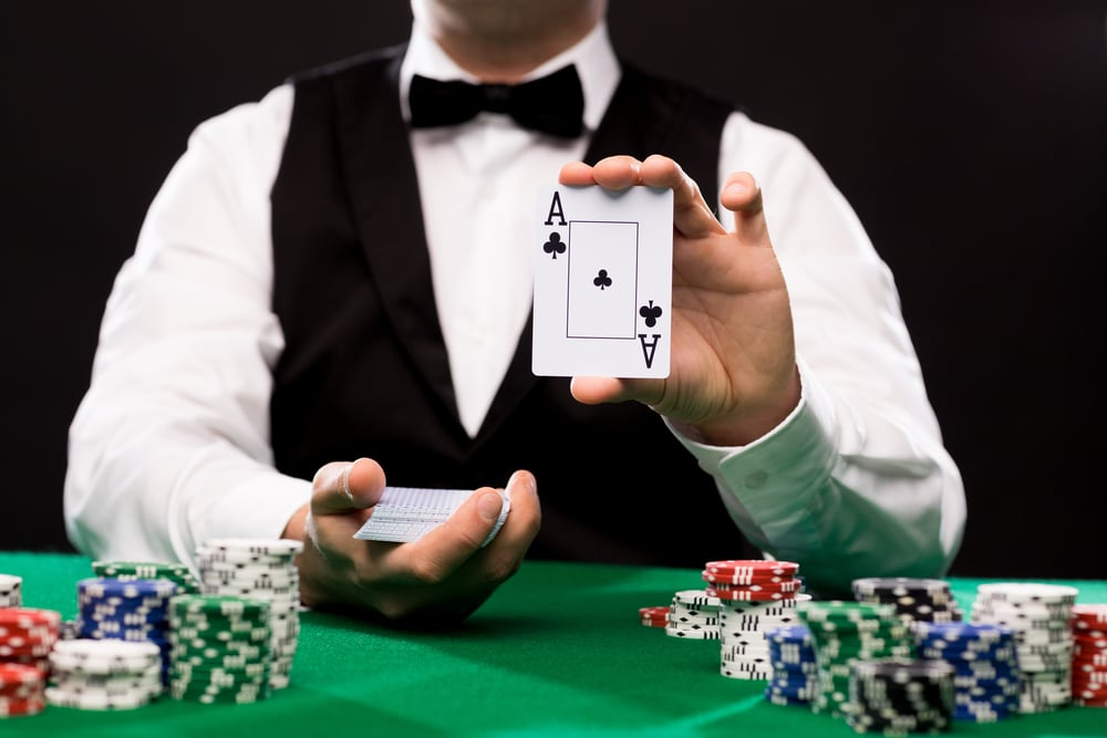 Card Dealer: Things You Need to Know to Become a Professional Dealer