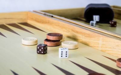 How to Play Backgammon Game